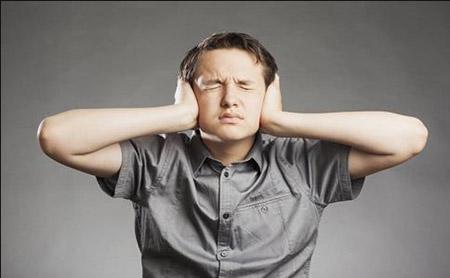 耳朵嗡嗡响治疗小窍门.jpg